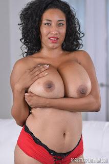 wet pussy - rs-2015-11-29_Danni_Lynn_in_Big_Boob_New_Cummer_Solo_02-745894.jpg
