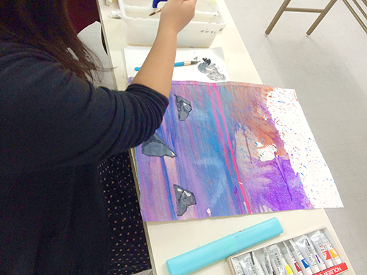 横浜美術学院の中学生教室 美術クラブ 絵の具課題「絵の具のシミから描写しよう!」7