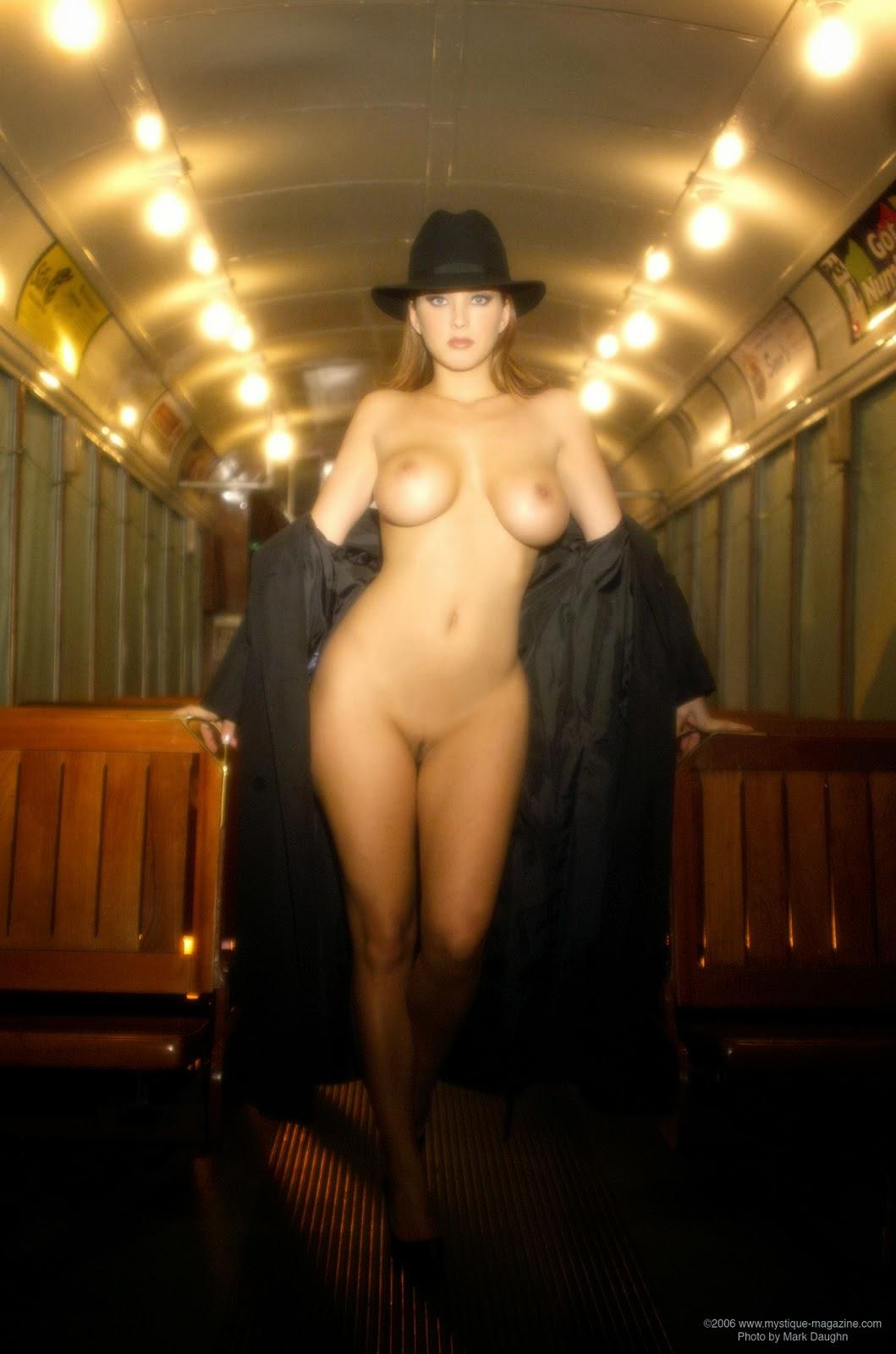 alexis knapp nude photos