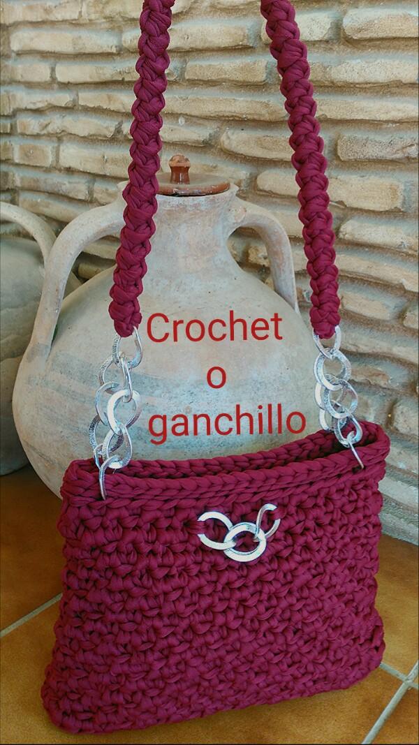 Crochet o ganchillo bolso de trapillo love for Bolso crochet trapillo