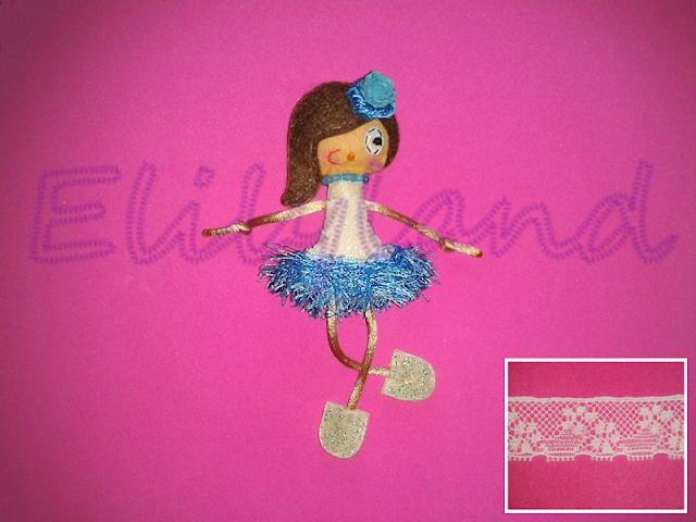 Mini-Elily Falda Flecos Azul Muñeca Fieltro Broche