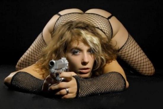 Naked Babes And Guns