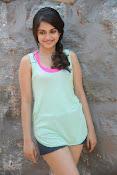 Sheena shahabadi sizzling pics-thumbnail-20