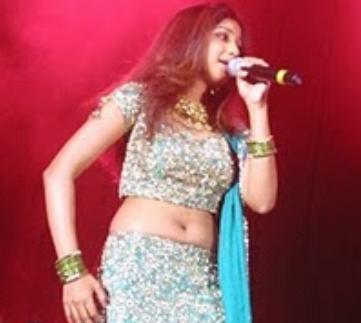 Shreya Ghoshal navel show 1