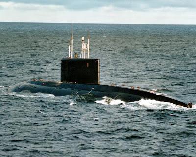 http://4.bp.blogspot.com/-Qy5z49qsrYc/TcUC2yW9vCI/AAAAAAAAJN8/_ek4UHT9XKw/s400/636_Navalshow.jpg