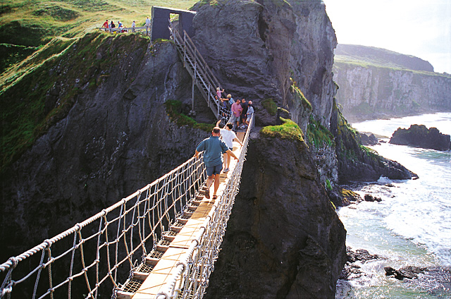 CARRICK-A-REDE ROPE BRIDGE, ANTRIM IRELAND