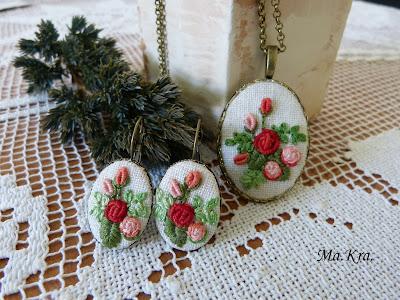 hand embroidered jewerly, hand embroidered earrings, ręcznie haftowane kolczyki, kolczyki z haftem, naszyjnik z haftem