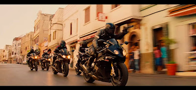 Persecuciones y motos, un clásico.