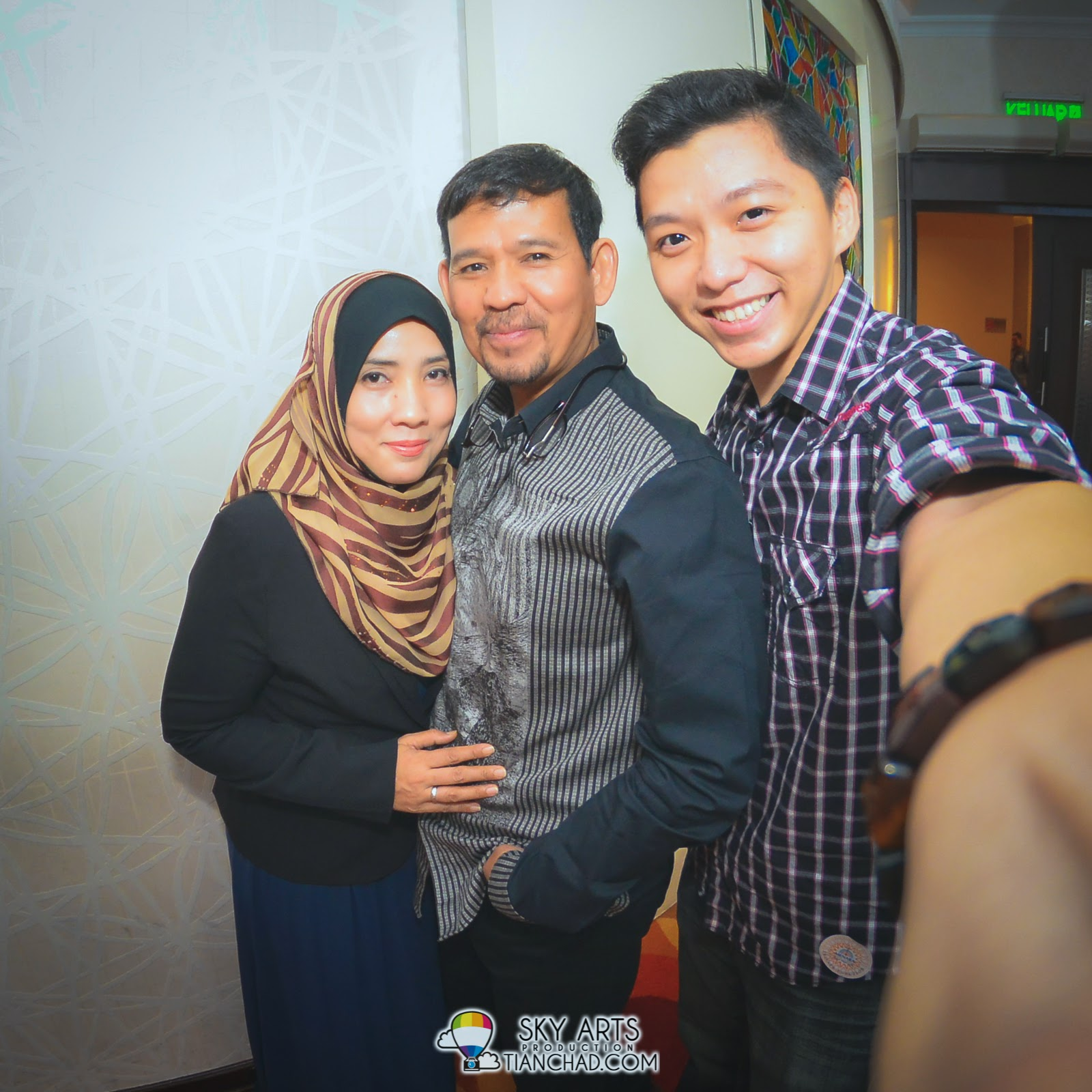 Grabbed a chance for #TCSelfie with Shila Amzah's parent!