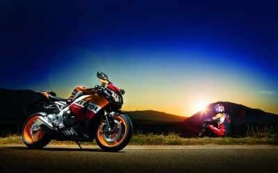 gambar motor Honda Repsol