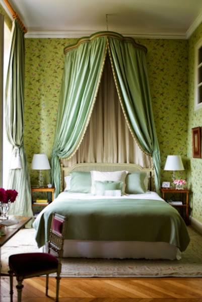 The cluny chronicles elegant bedroom decor and french style for Chambre in french