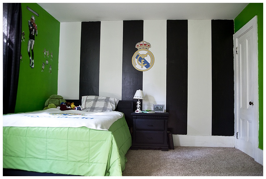 Rachelle chase blog my boys soccer bedroom before and after for Bedroom stripe paint ideas