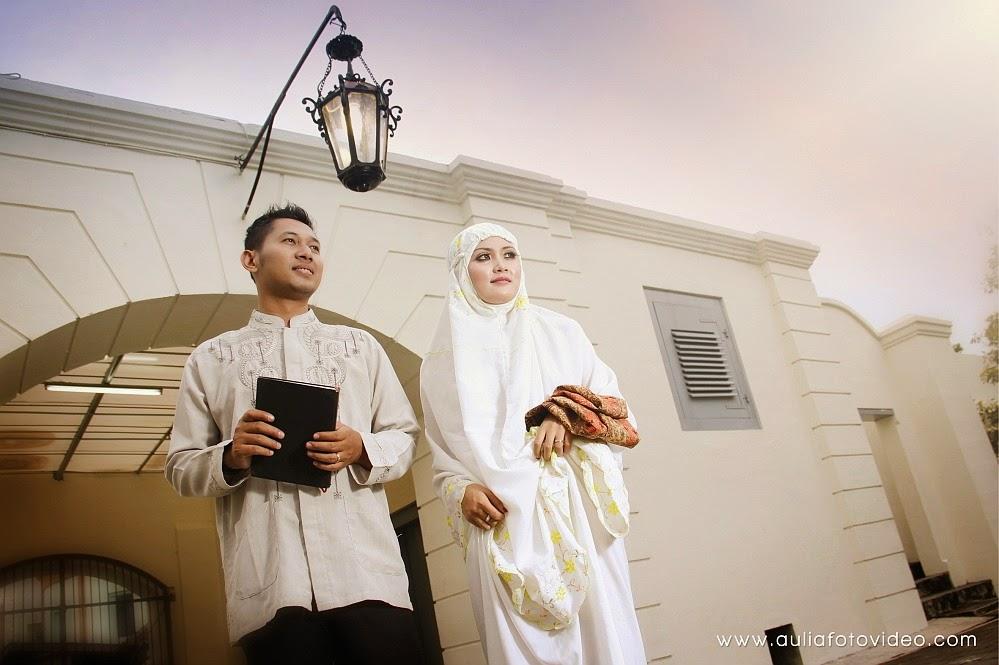foto prewedding unik muslim