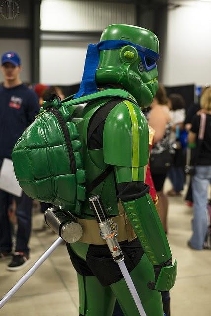 frikazo: soldado imperial de starwars y tortuga ninja a la vez