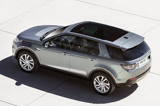 Land Rover Discovery Sport (2015) Rear Side