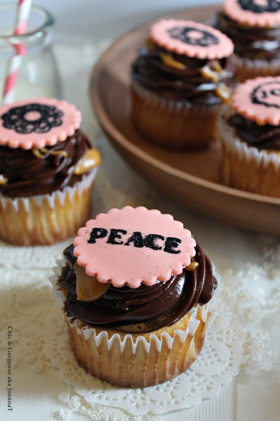 ... : Orange Yogurt Cupcake + Chocolate-Butterscotch Ganache Frosting