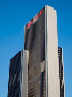 Plaza Büro Center (1976)