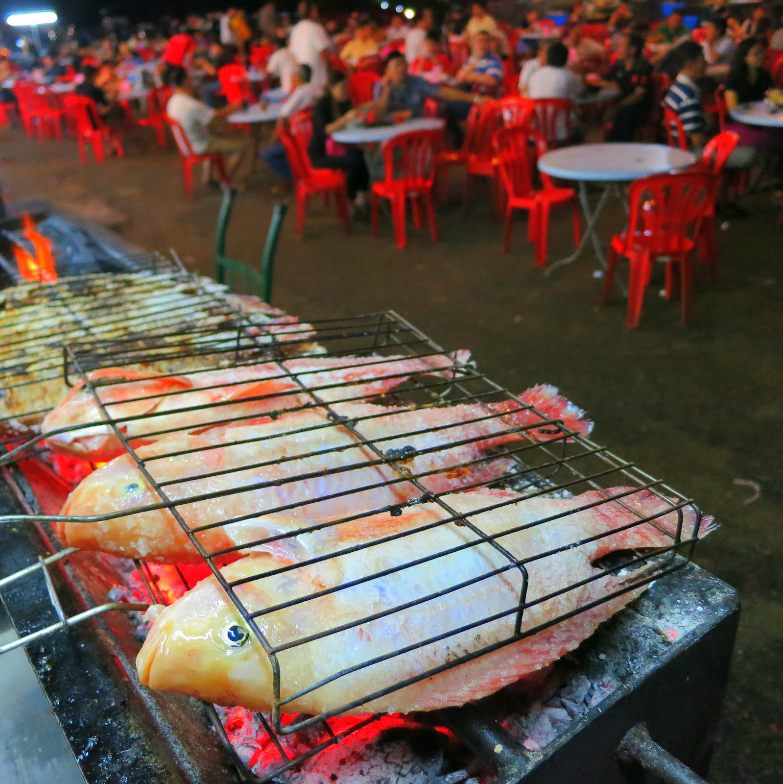 Br coffee shop salt grilled fish stall in permas for Fresh fish shop near me