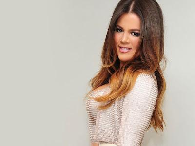 Khloe Kardashian Side Pose Wallpaper