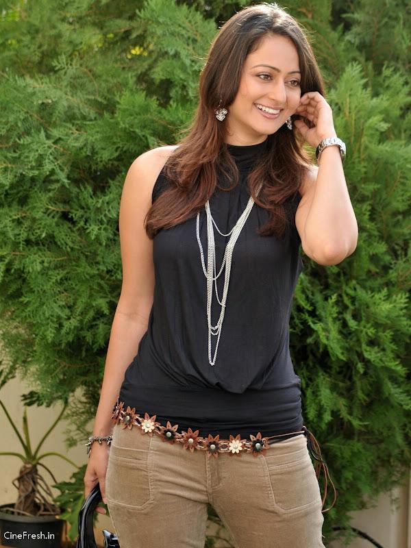 Kaveri Jha Hot Stills Actress Kaveri Jha Cute Photos gallery pictures