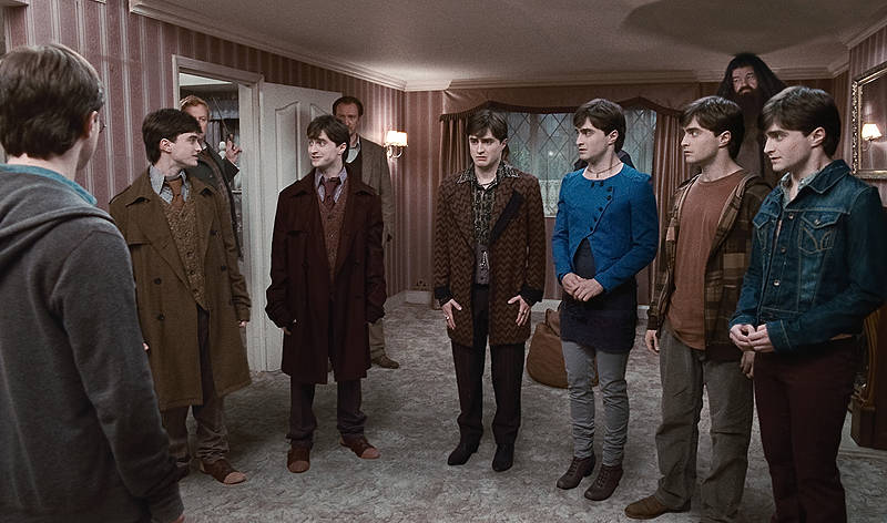 The main thing that will govern the costumes of wizarding New York is how close US wizarding culture is to the muggle world. I think itu0027s safe to say that ...  sc 1 st  Hello Tailor & Hello Tailor: Harry Potter costume design and wizarding fashion ...