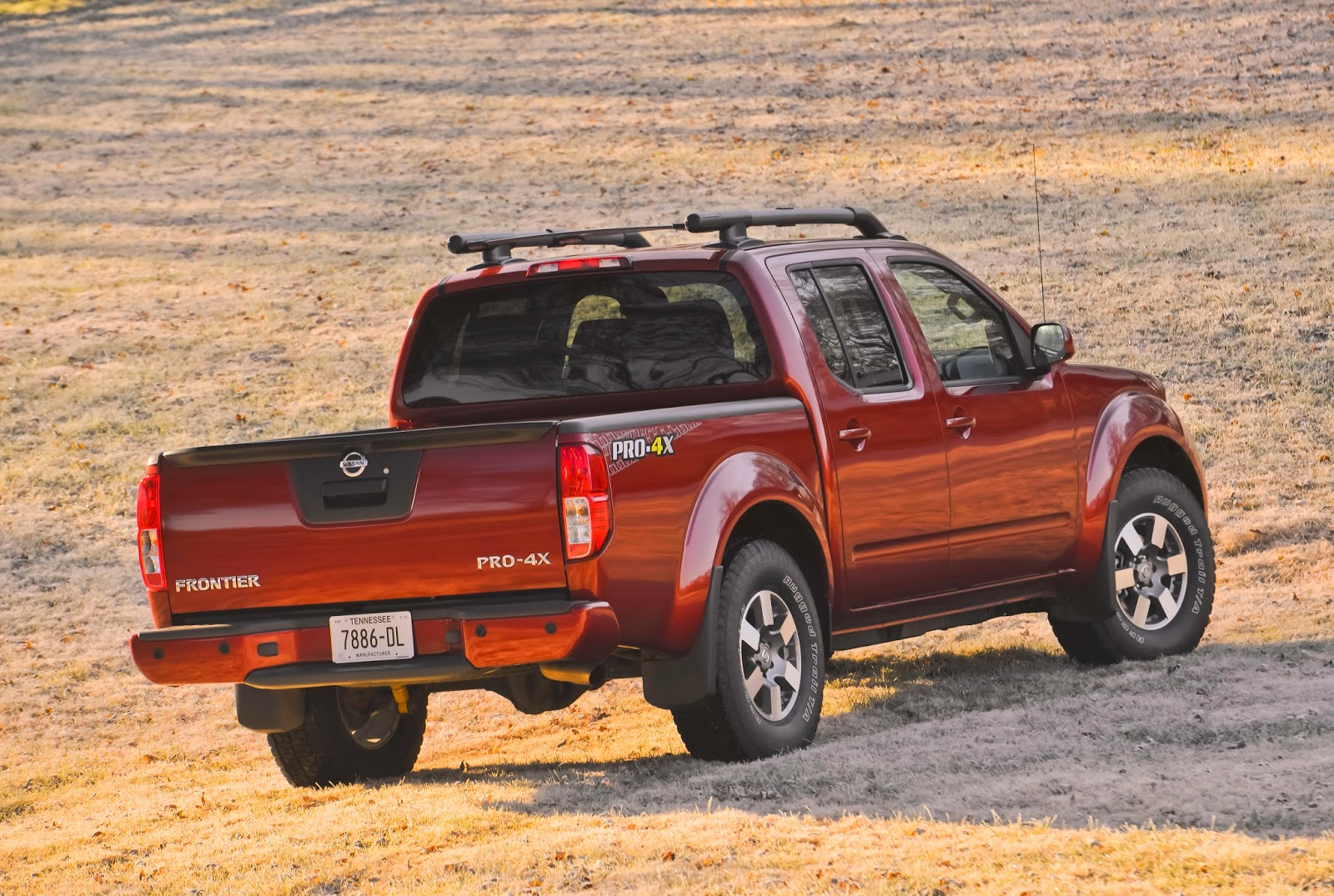 Rear 3/4 view of the 2014 Nissan Frontier PRO-4X