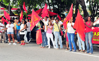 Reformistas montan vigilia frente a JCE para que ese partido escoja al candidato presidencial