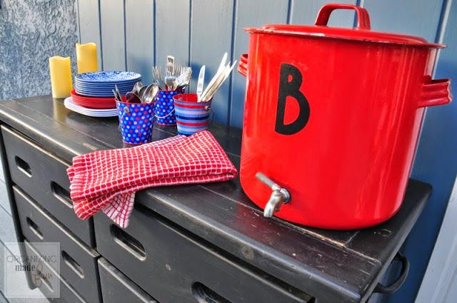 Outdoor rolling buffet :: OrganizingMadeFun.com