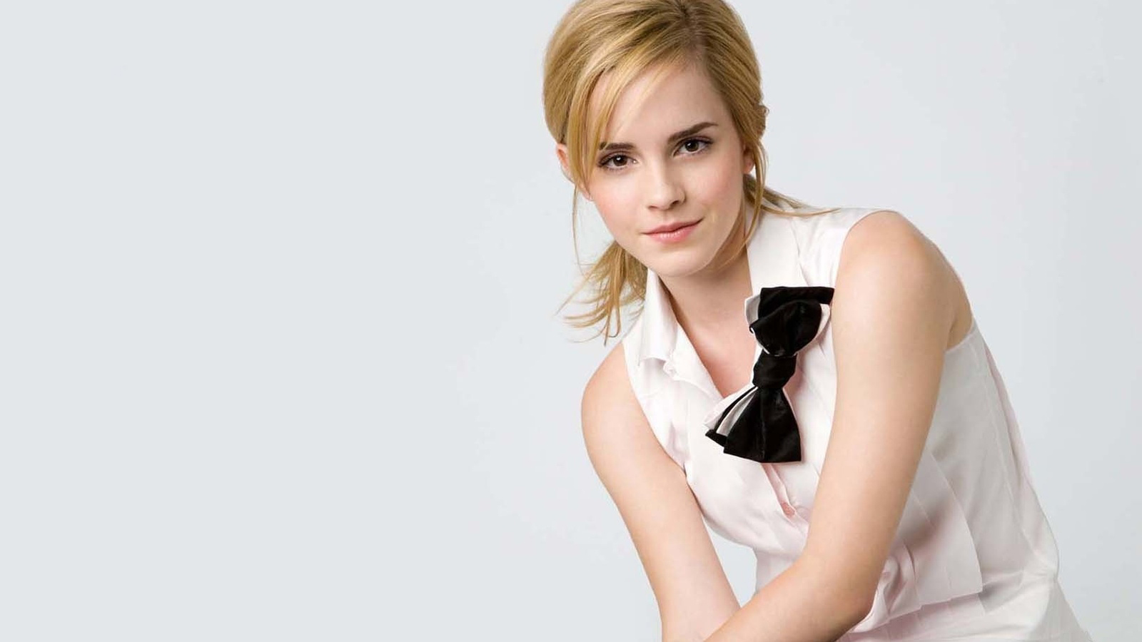 Actress photographs emma watson pink dress beauty world for Today hot pic