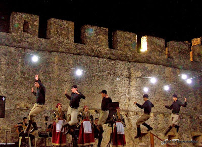 Frangokastello fortress: Traditional Dancing