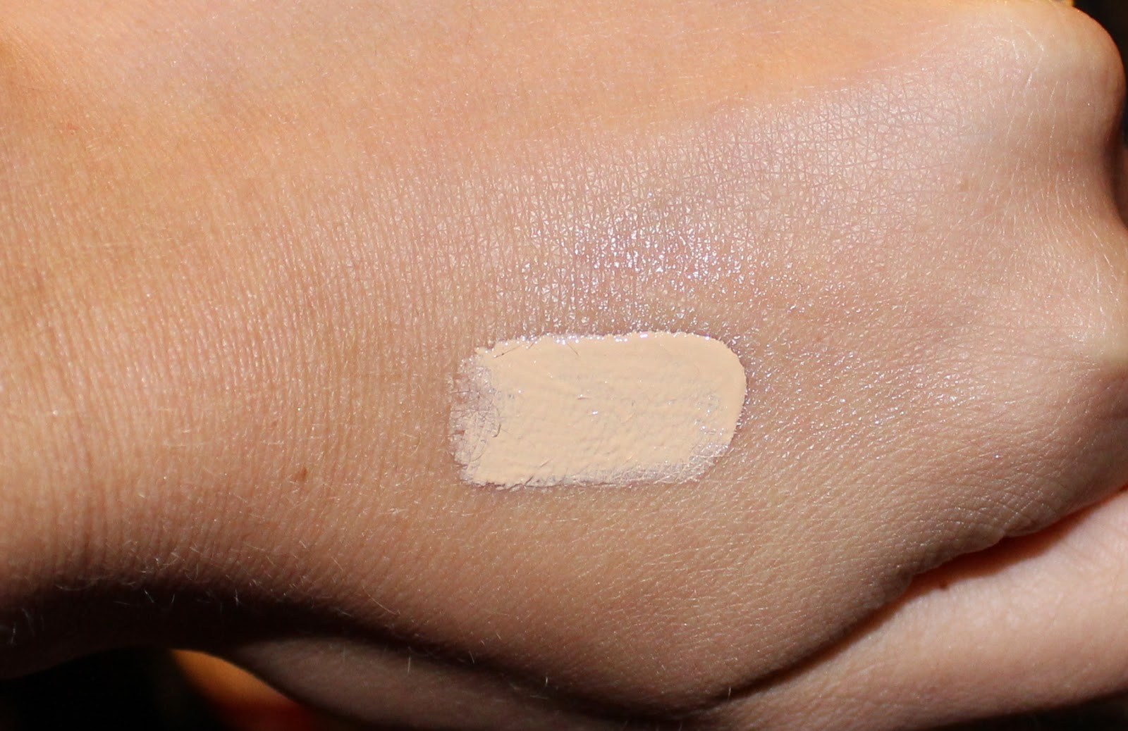 Smashbox High Definition Concealer in Fair/Light Swatch
