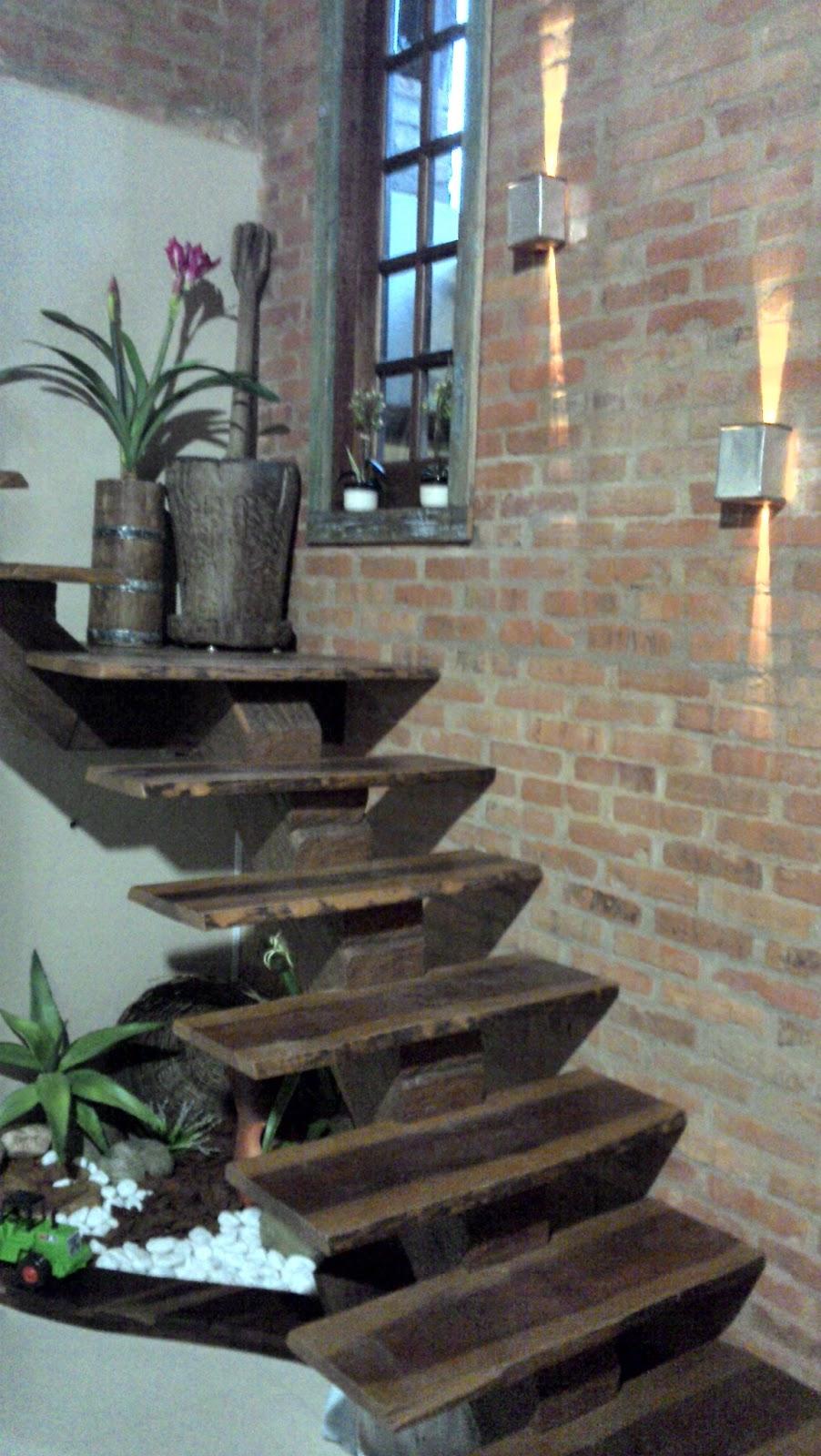escada jardim madeira:BOUTIQUE DA MADEIRA: Escadas e Pisadas em Madeira Cód.2003