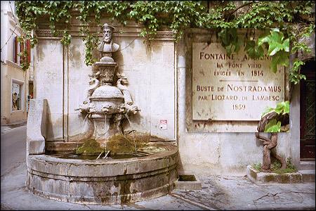 Fontaine Nostradamus à Saint Rémy de Provence
