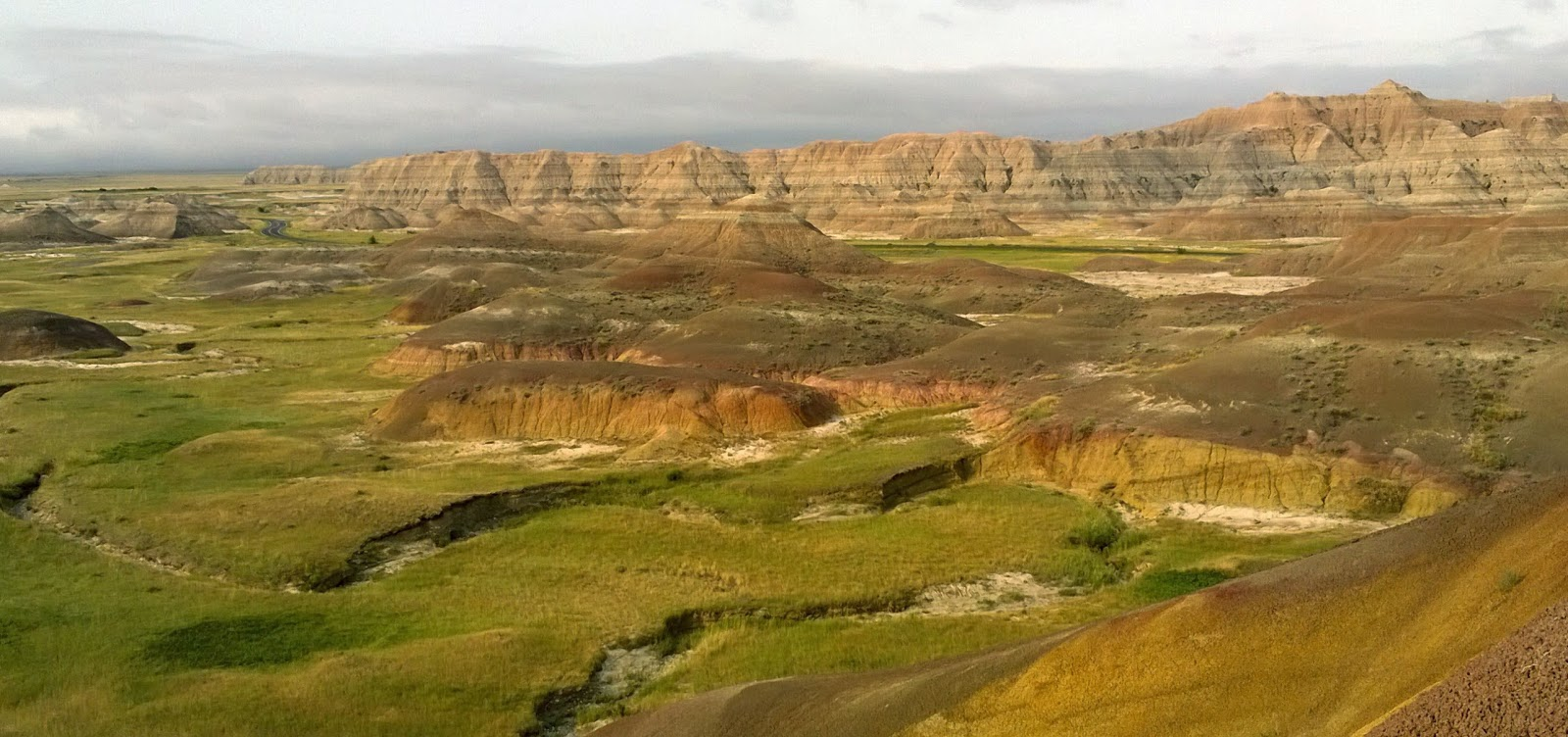 yellow mounds overlook, badlands