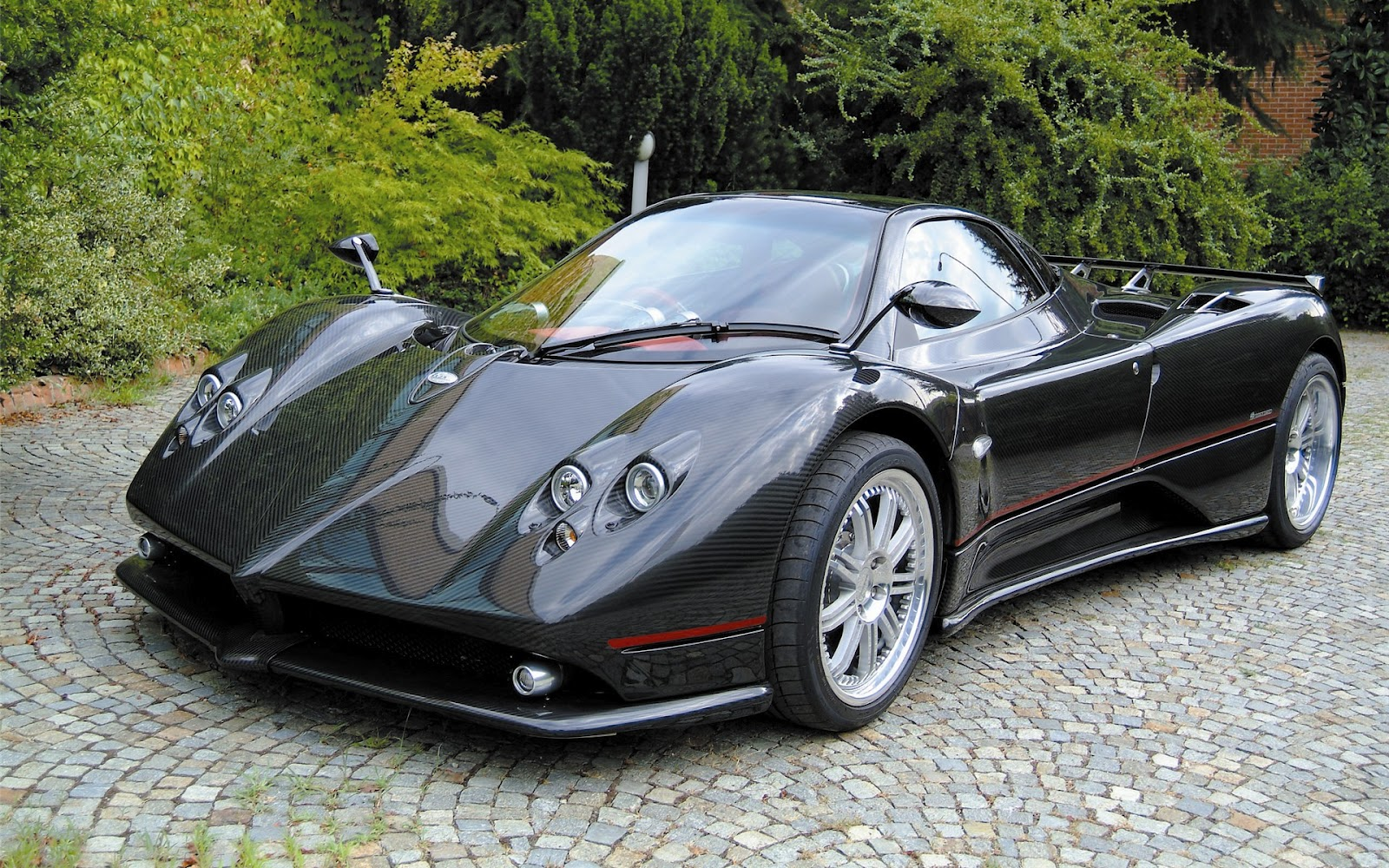 Zonda Sports Car Price