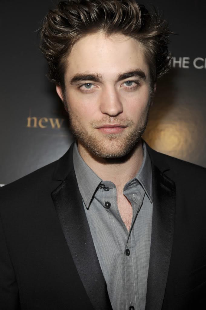 Robert Pattinson Makes Gq S Best Dressed List Thanks To Kristen
