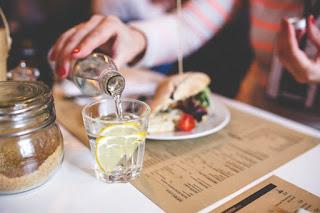 kesehatan gerakan minum air putih