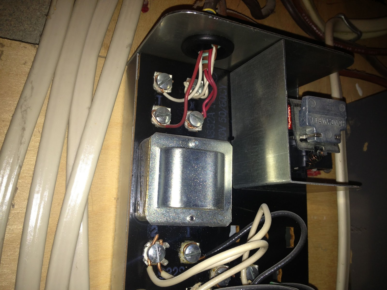 Install Questions 2441th My Insteon 2441 Thermostat Honeywell Ra832a Wiring Diagram The Hookup