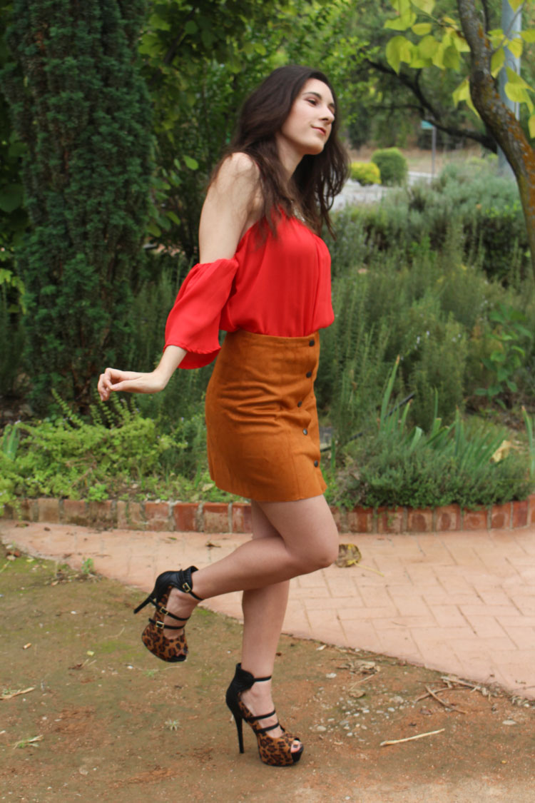 Suede skirt, leopard heels, red top