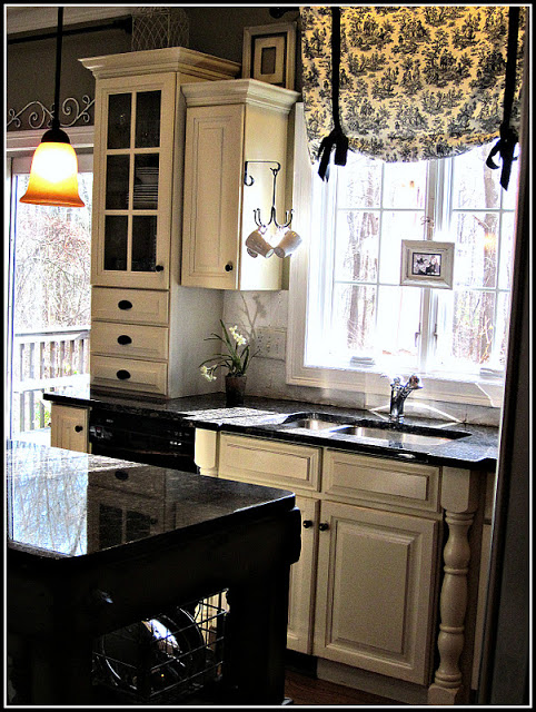 Black And White Toile Kitchen Curtain (12 Image)