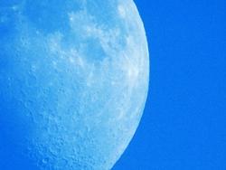 Mond am 25.06.2015...