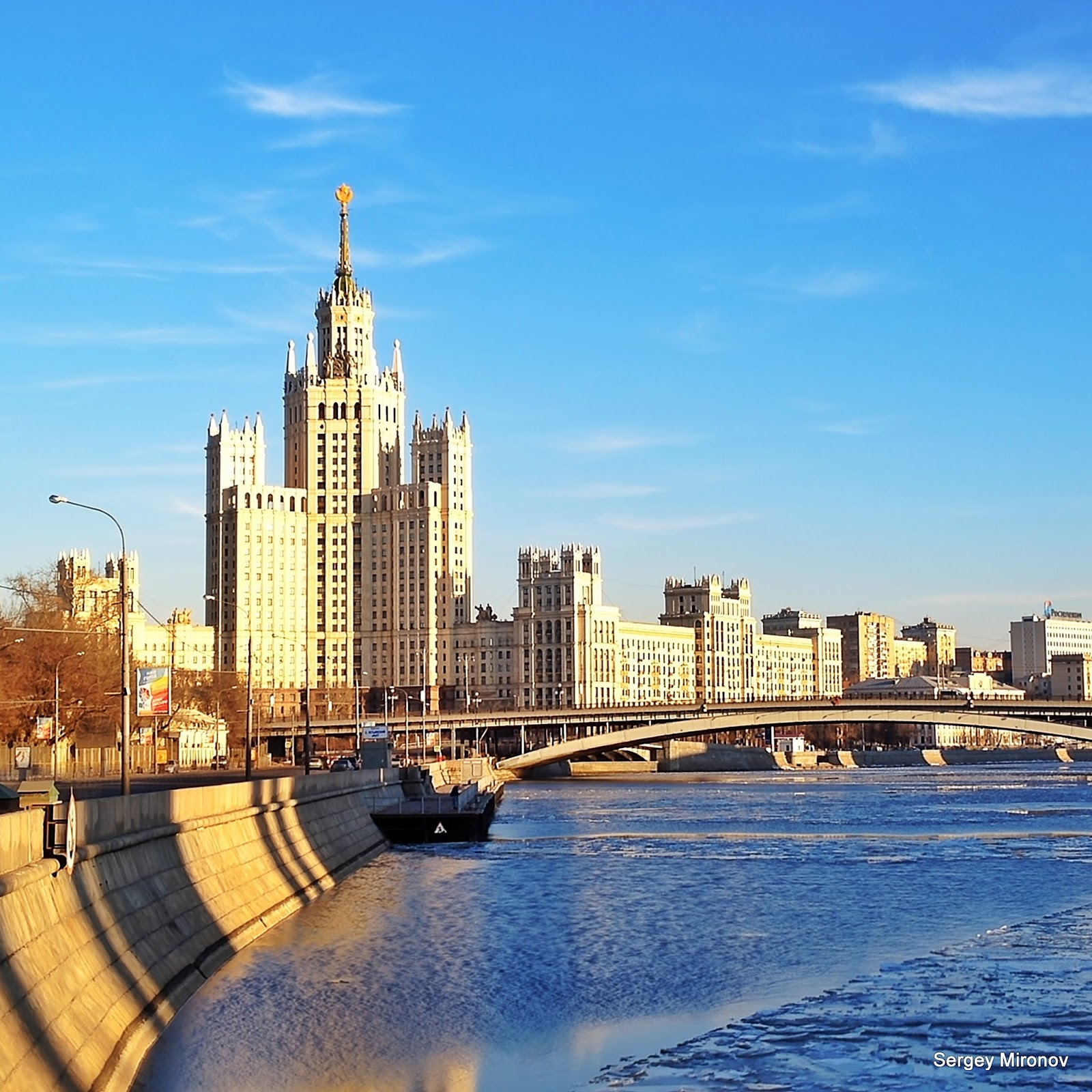 Москва река панорамный вид на жилую