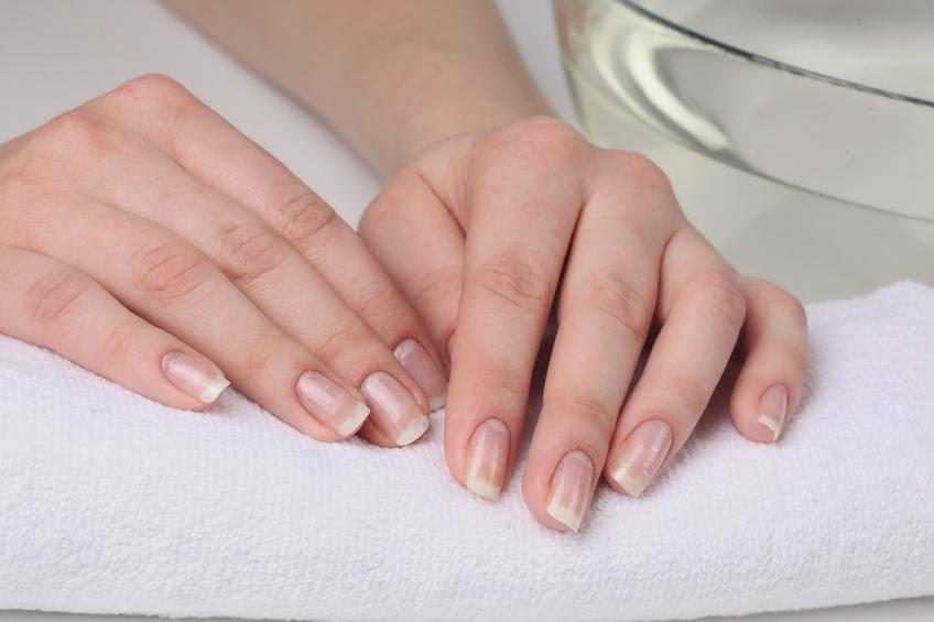 وصفات طبيعية لعلاج تشقق اليدين وجفافهما
