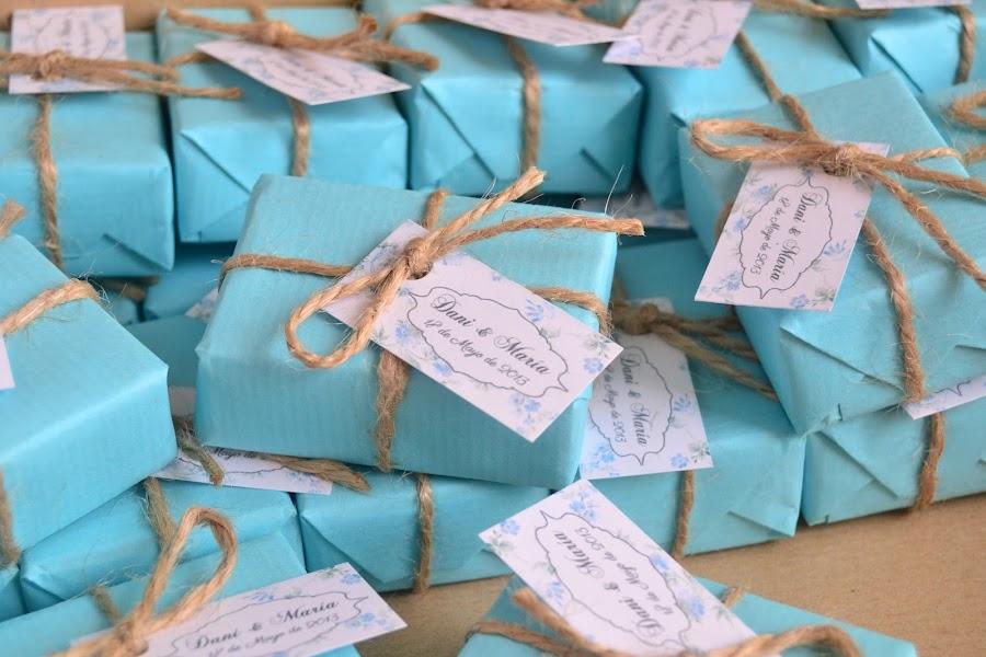jabones naturales detalles de boda en azul