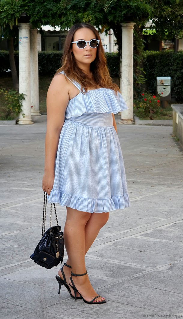 STYLOSOPHIQUE - Fashion Blog by Iris Tinunin: Feeling like Brigitte Bardot in a light blue vichy dress!