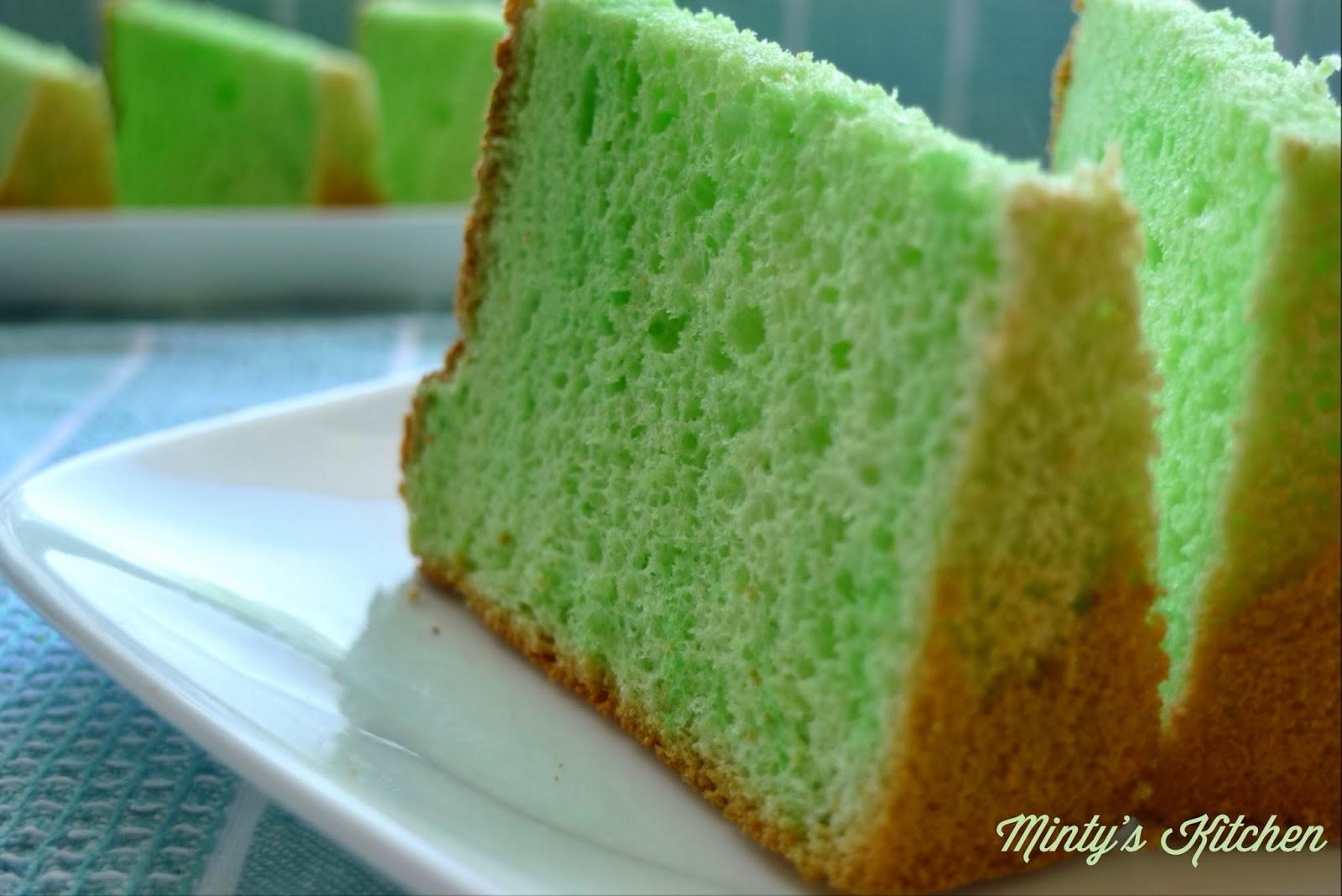 Minty's Kitchen: Pandan Chiffon Cake