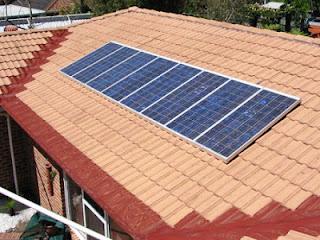 placas solares sobre el tejado