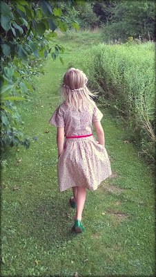 vintage meisjesjurk stof voor doe het zelvers SVDHZ2