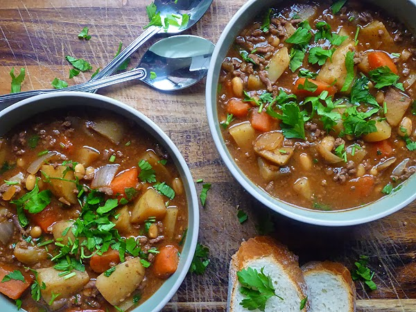 Slow Cooker Beef and Bean Hotpot Recipe
