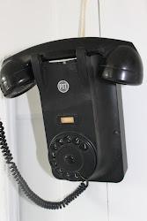 Mooie oude bakelieten telefoon.